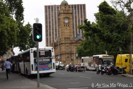 Recorriendo el centro nos encontramos con esto, lo que personalmente creí era una iglesia, pero no es la oficina de correos de Hobart.